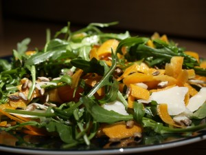Salate de Roquette et carrottes et parmesan